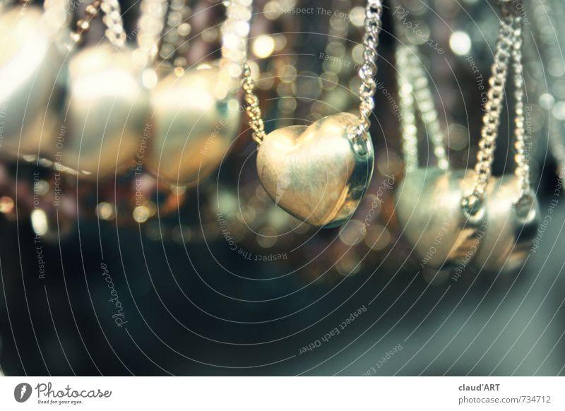 Herz an Herz blau schön Gefühle Liebe Glück Mode Metall glänzend elegant gold leuchten Herz Hochzeit Verliebtheit Schmuck Reichtum