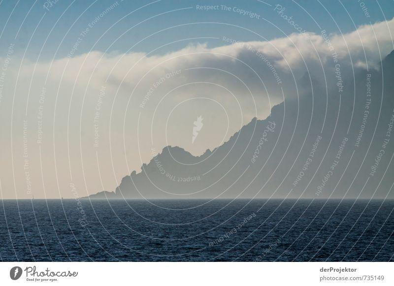 Meer - Berg - Wolke - Himmel Natur Ferien & Urlaub & Reisen Pflanze Sommer Meer Landschaft Wolken Ferne Umwelt Berge u. Gebirge Gefühle Küste Freiheit Felsen Freizeit & Hobby Wellen