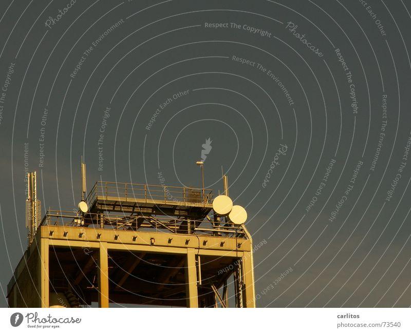 ein Leben ohne Handy Turm Verbindung Antenne Begrüßung SMS Funktechnik