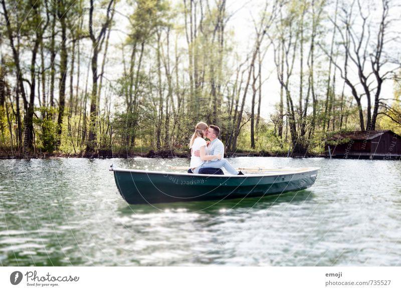 love story maskulin feminin Junge Frau Jugendliche Junger Mann Paar 2 Mensch 18-30 Jahre Erwachsene Umwelt Natur Frühling Schönes Wetter See schön Sympathie