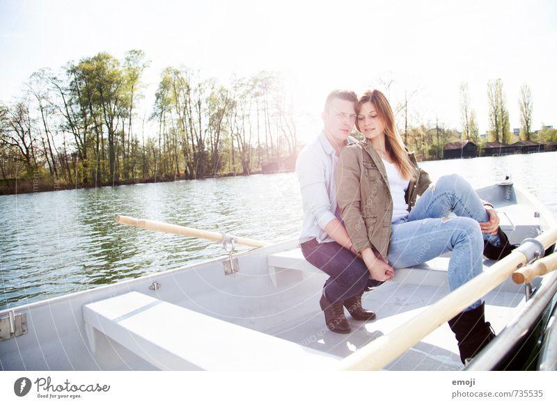Wärme maskulin feminin Junge Frau Jugendliche Junger Mann Paar 2 Mensch 18-30 Jahre Erwachsene Umwelt Natur Landschaft Frühling Schönes Wetter See maritim