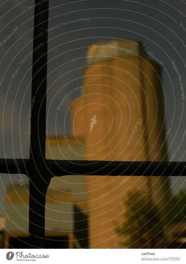 Hinter Gittern geschlossen Turm Barriere Verbote Gitter Silo aussperren