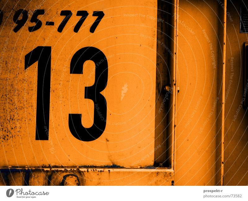 RechenGenie (95-777=13groß) Ziffern & Zahlen Müll Container fünfundneunzig orange Metall Linie Rost