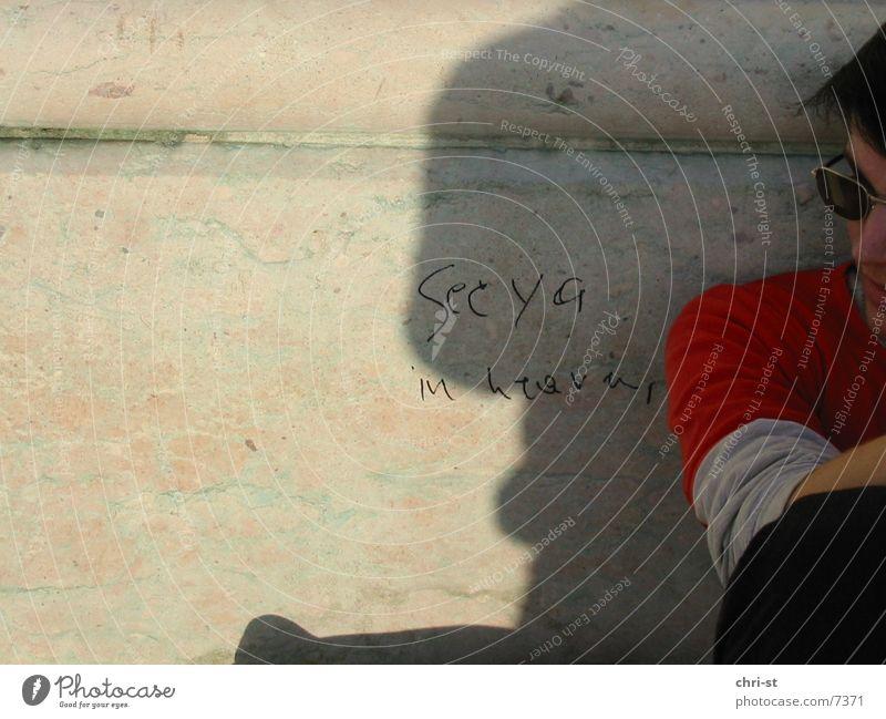 see ya in heaven Mann Sonnenbrille Redewendung Mensch graffitti Schatten
