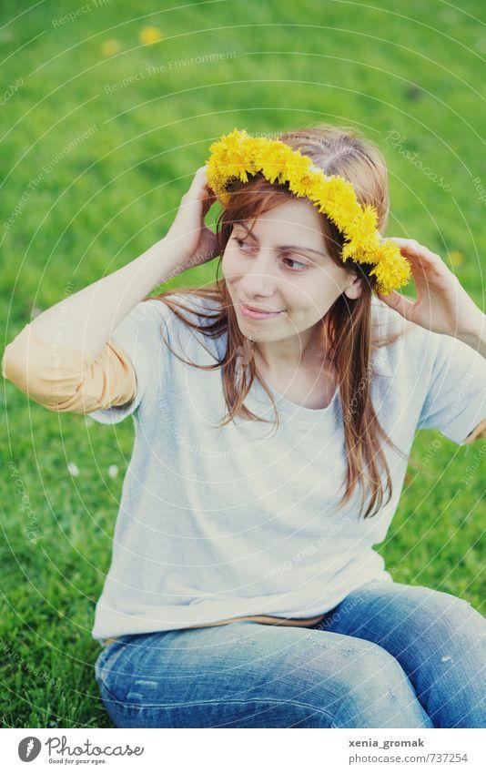 Blumenkranz Mensch Jugendliche Ferien & Urlaub & Reisen Sommer Junge Frau 18-30 Jahre gelb Erwachsene Umwelt feminin Frühling Spielen Freizeit & Hobby Lifestyle