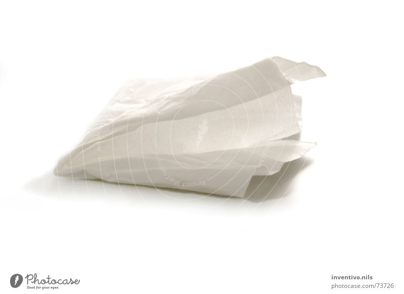 Tempo papiertaschentuch Taschentuch Objektfotografie Freisteller Vor hellem Hintergrund Zellstoff Papier