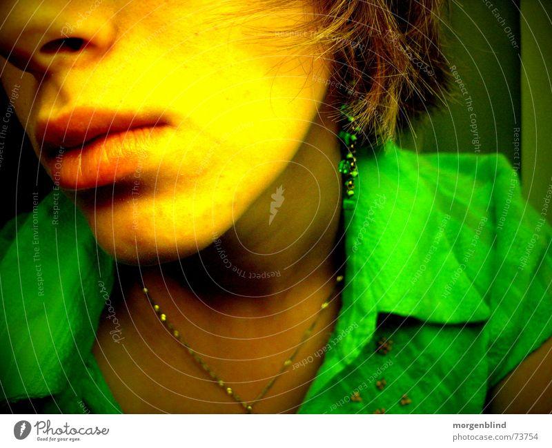 salut Frau grün Gesicht ruhig gelb Gefühle Mund Stimmung Lippen sanft Momentaufnahme