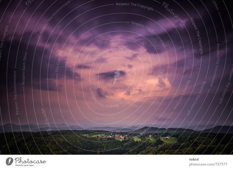 Schlimmes Wetter Natur Landschaft Pflanze Urelemente Luft Himmel Gewitterwolken Horizont schlechtes Wetter Unwetter Wald Hügel Berge u. Gebirge Pfälzerwald Dorf