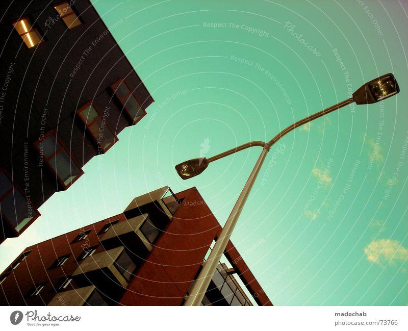 ODE AN DIE LATERNE Himmel Stadt blau Wolken Haus Fenster Leben Architektur Gebäude Freiheit fliegen Lampe oben Arbeit & Erwerbstätigkeit Wohnung Design