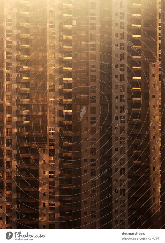 AM in LA Los Angeles USA Nordamerika Stadt Stadtzentrum bevölkert Hochhaus Gebäude Architektur Wohnhaus Fassade Balkon Beton Glas Metall authentisch braun gold