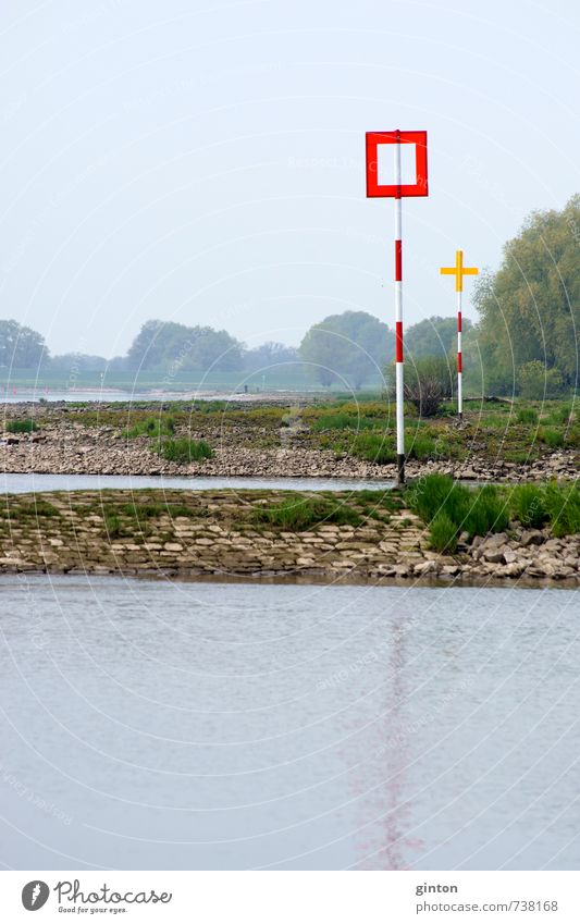 Schilder an der Elbe Umwelt Natur Landschaft Pflanze Tier Wasser Frühling Schönes Wetter Baum Sträucher Fluss Verkehr Verkehrsmittel Verkehrswege Schifffahrt