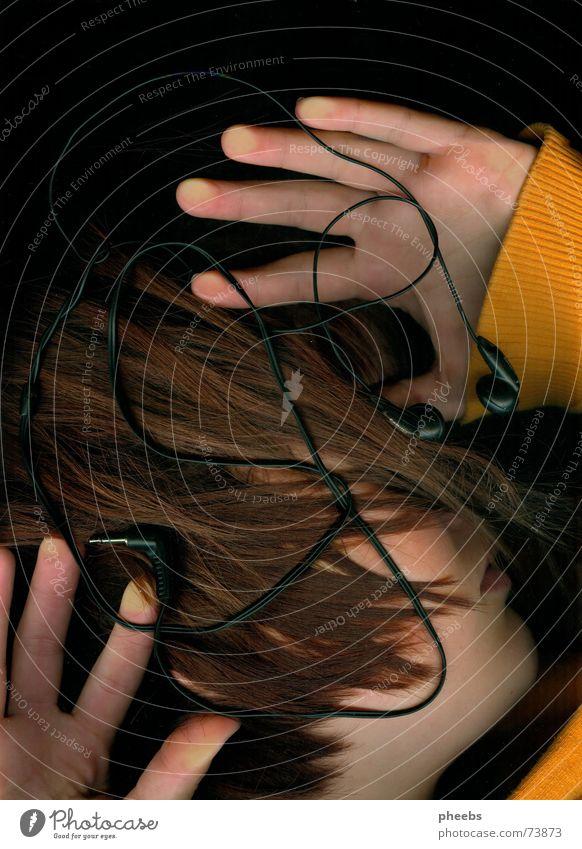 wer hören will muss fühlen #1 Hand Gesicht Musik Haare & Frisuren Kopf orange Pullover Kopfhörer erstaunt Scanner Handfläche