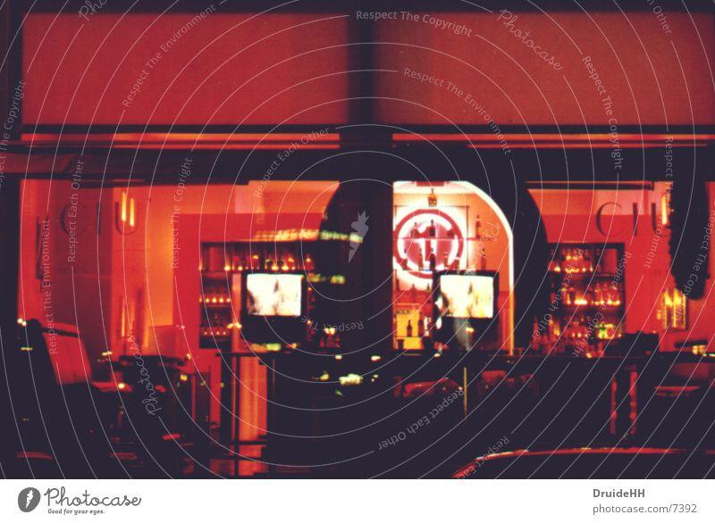 Red Location rot Bar Fensterblick Licht Langzeitbelichtung Hamburg