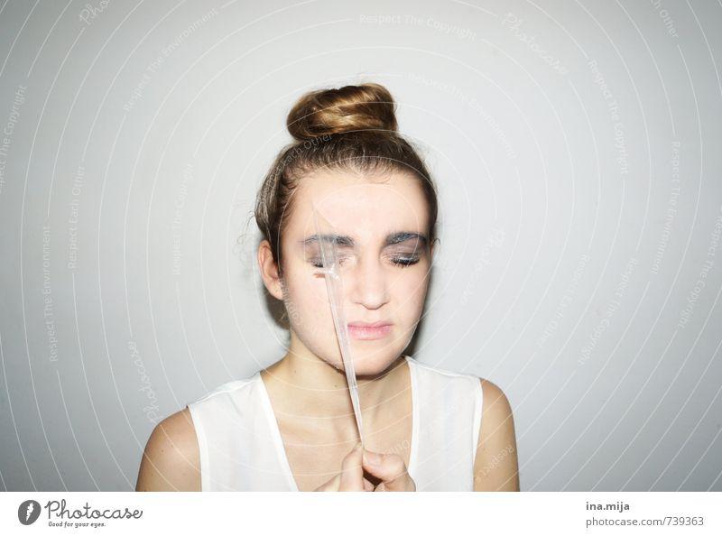 Enthäuten II Mensch Frau Kind Jugendliche schön Junge Frau 18-30 Jahre Erwachsene Leben Traurigkeit Gesundheit Gesundheitswesen maskulin Haut 13-18 Jahre