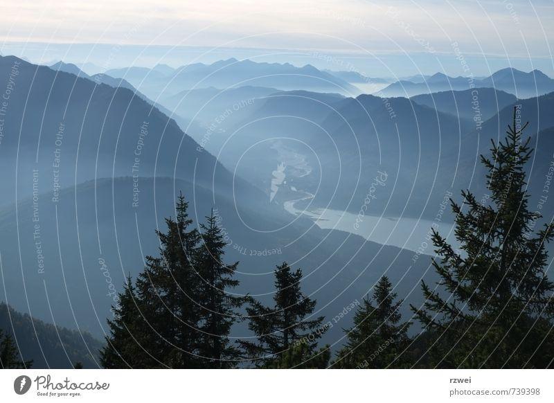 Blick auf Isar und Sylvensteinspeicher Freiheit Berge u. Gebirge wandern Landschaft Sommer Nebel Baum Alpen Karwendelgebirge See Sylvensteinsee Fluss