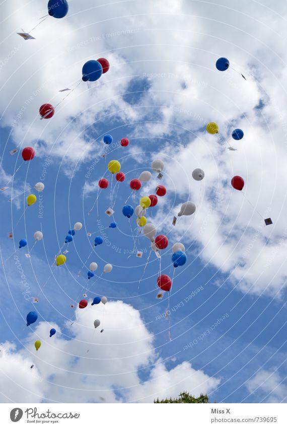 Up up Party Veranstaltung Feste & Feiern Muttertag Jahrmarkt Hochzeit Geburtstag Himmel nur Himmel Wolken Frühling Sommer Luftballon fliegen mehrfarbig Gefühle
