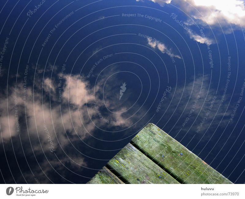 Steg Wasser Himmel grün blau Wolken Holz See Küste nass Spiegel Steg feucht Schweden Glätte Oberfläche
