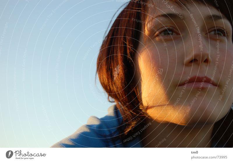 jetzt aber gewissheit Frau Himmel blau schön Sonne Gefühle Denken träumen Beleuchtung Hoffnung Romantik Wunsch Fragen Wissen Wagen