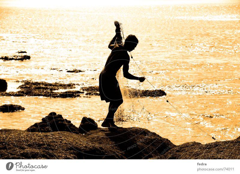 Fischer auf Bali Meer Felsen Netz Sehnsucht Indonesien Asien