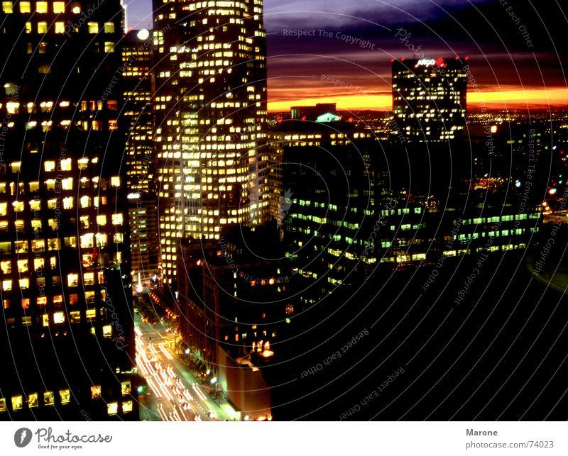 Citynight Stadt Beleuchtung Hochhaus USA Amerika Verkehrswege Nacht Licht Abenddämmerung Nachtleben Feierabend Los Angeles Lichtermeer