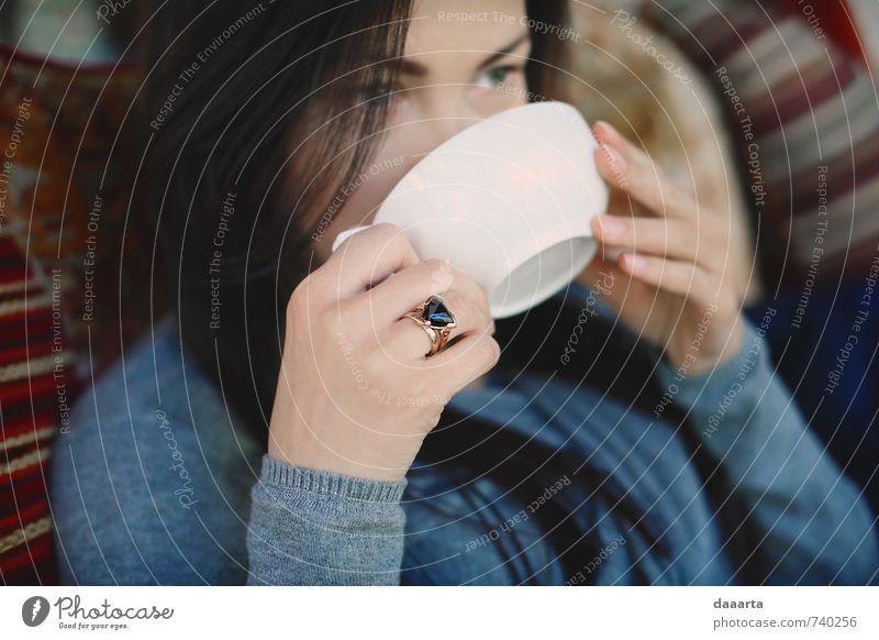 Mensch Jugendliche schön Erholung Junge Frau Freude 18-30 Jahre Erwachsene Leben feminin Stil Denken Gesundheit Freizeit & Hobby Lifestyle glänzend