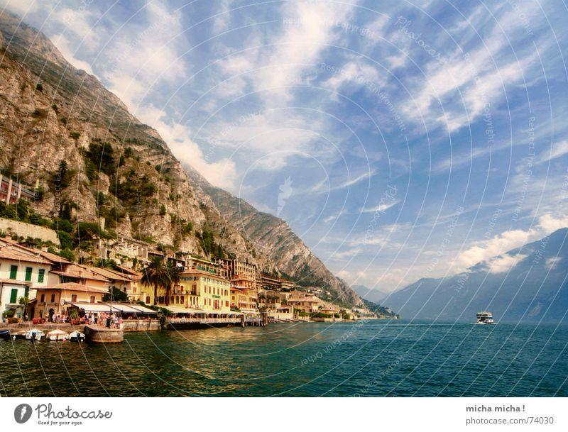 Ab übern See Wasser Himmel blau Wolken Berge u. Gebirge See Wasserfahrzeug Felsen Italien türkis Limone Sog Gardasee