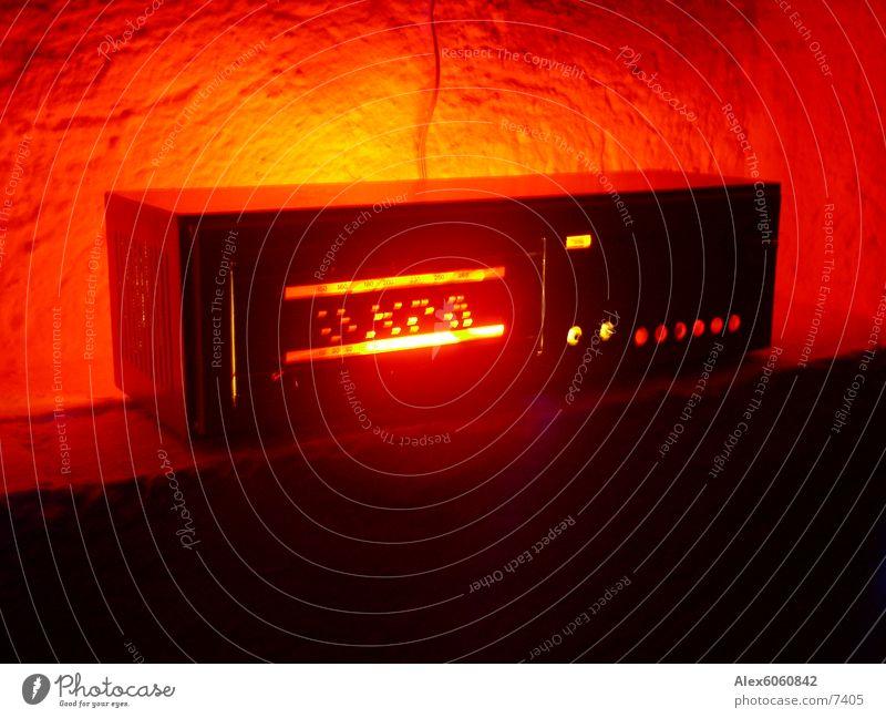 Retroradiorama rot Lautsprecher Wand Tisch retro Radio tuner Musik