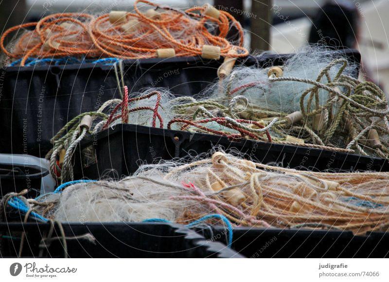 Fischernetze Fischereiwirtschaft mehrfarbig Behälter u. Gefäße Kiste Kork Schlaufe Kübel Netz Hafen Seil Leiter netzfischerei obersimm untersimm senker
