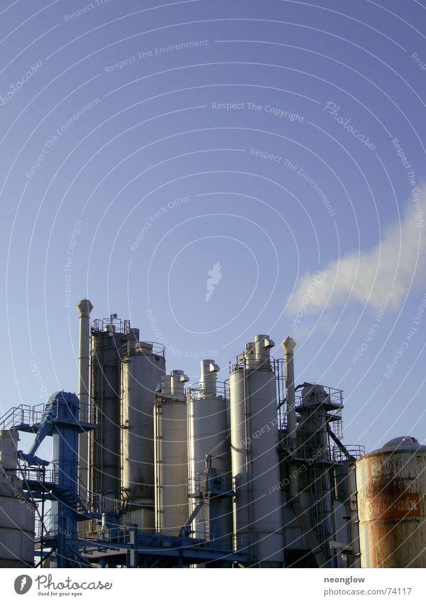 Industrial Heaven Arbeit & Erwerbstätigkeit Industriefotografie Himmel Wasserdampf Rauch Metall Schornstein blau Treppe