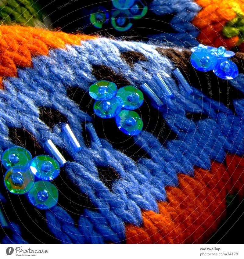 jennys birthday present Schall Pullover Wolle grün schick mehrfarbig Physik kalt Winter Bekleidung happy scarf jumper wool strickend knitted blue blau orange