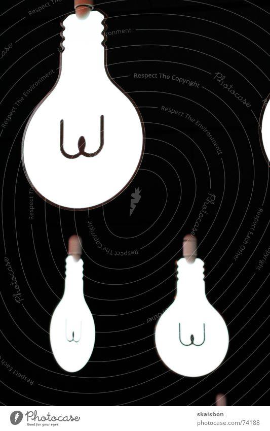 idee! Lampe dunkel hell planen Erfolg Energiewirtschaft Elektrizität Wissenschaften Konzentration Kreativität Idee Gedanke Glühbirne Anschnitt glühen Wattenmeer