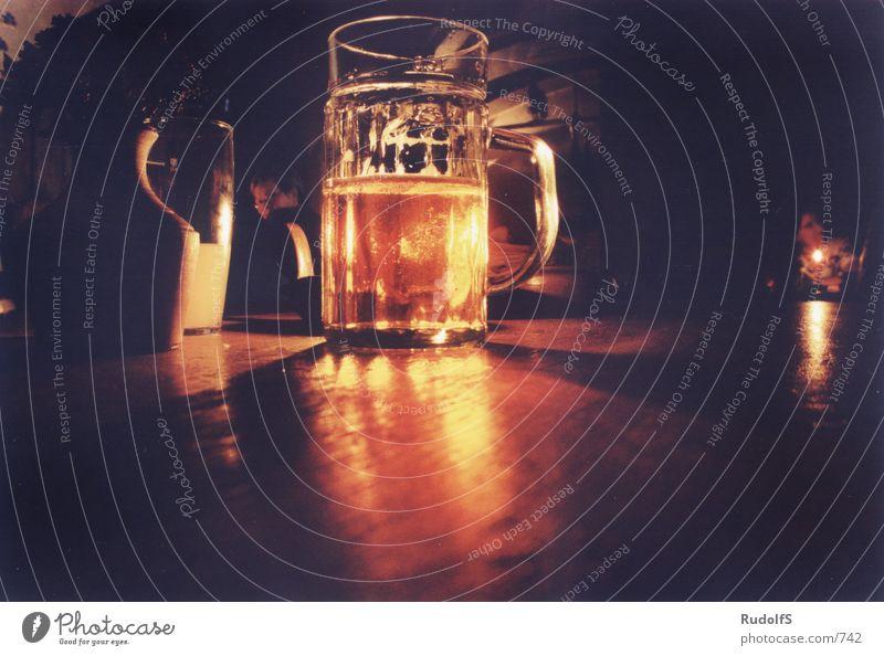 Staropramen Bier Gastronomie Lokal Bierkrug Bierglas Licht Fototechnik staropramen Kneipe Glas