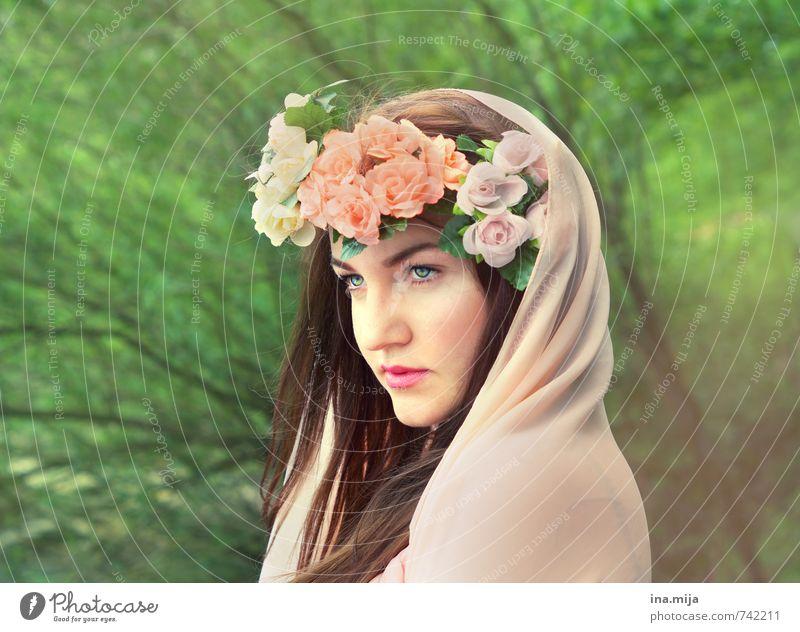 Frühlingsfee II Mensch Frau Jugendliche grün schön Junge Frau Blume 18-30 Jahre Gesicht Erwachsene feminin Haare & Frisuren rosa ästhetisch authentisch