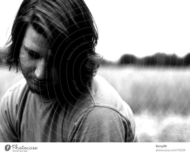 Thinking of... Mann weiß Gesicht schwarz Gefühle Traurigkeit Denken Stimmung warten Hoffnung Trauer Wunsch Langeweile Erwartung