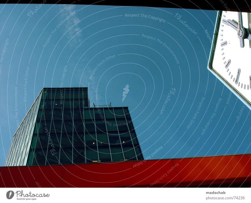 TICK... | uhr clock time architecture urban hochhaus farben zeit Himmel Stadt blau Farbe weiß rot Wolken Haus Fenster Leben Architektur Gebäude Zeit Freiheit fliegen Business