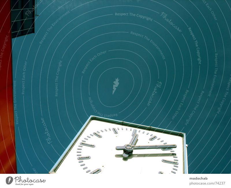 TICK... | uhr clock time architecture urban hochhaus farben zeit Himmel blau Farbe weiß rot Wolken Haus Fenster Leben Gebäude Zeit Freiheit fliegen Business