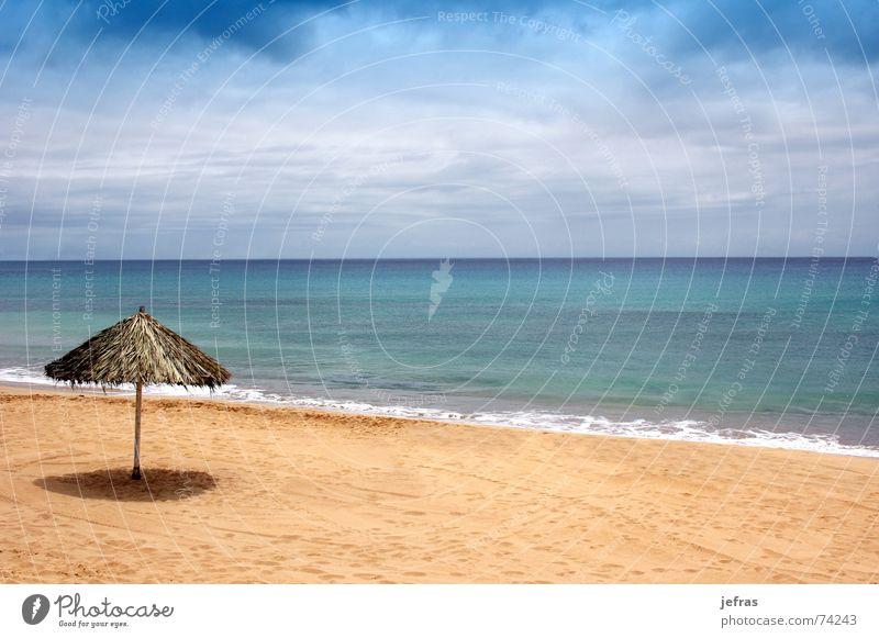 beach of sand with sun hat Himmel Sommer Strand Ferien & Urlaub & Reisen Erholung Sand Tourist