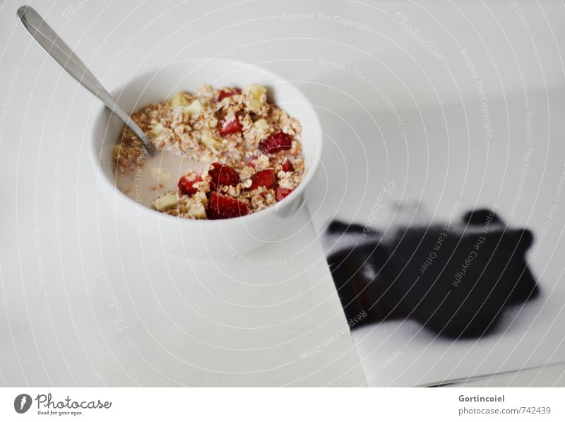 MüsliMagazin Lebensmittel Frucht Ernährung Frühstück Milch Schalen & Schüsseln Löffel lecker Haferflocken Erdbeeren Banane Zeitschrift Fotoalbum Farbfoto