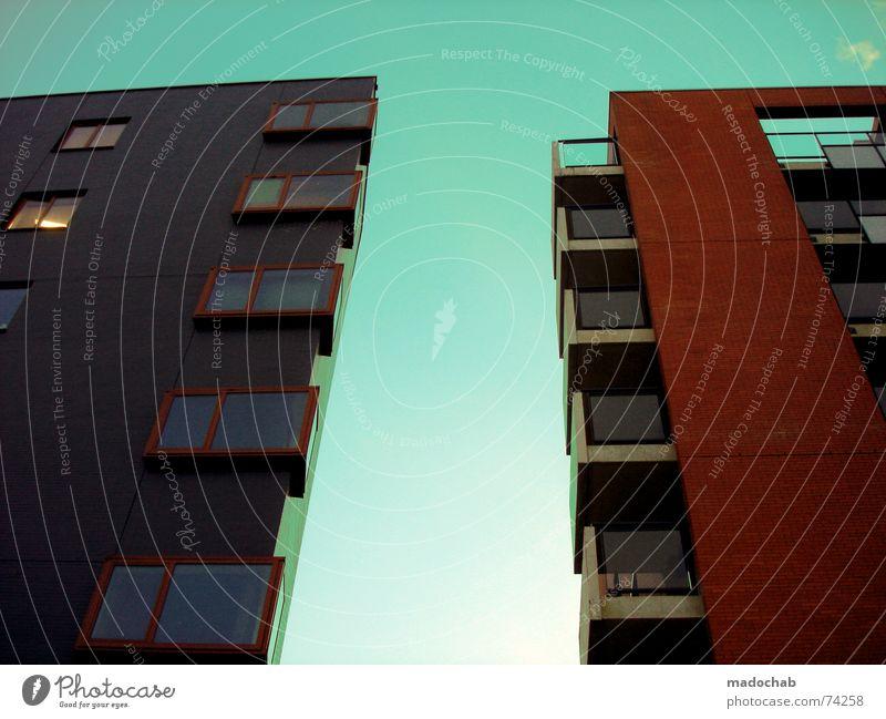 DANN WAR DAS WOHL LIEBE Himmel Stadt blau grün Farbe rot Wolken Haus Fenster Leben Architektur Gebäude grau Freiheit fliegen oben