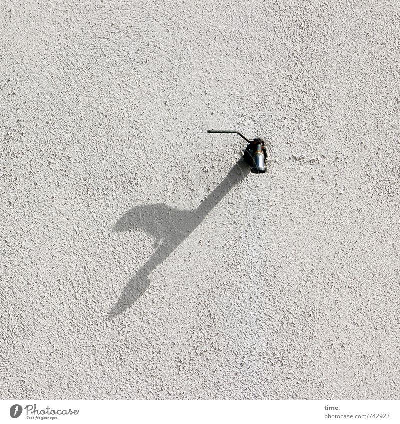 Trockenheit | müsste mal repariert werden ... Dienstleistungsgewerbe Handwerk Mauer Wand Fassade Putzfassade Wasserhahn Hebel Stein Beton Metall Einsamkeit