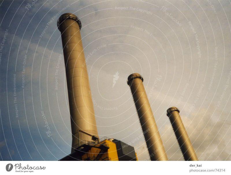 ZOMTEC Fabrik Area 51 Wolken Froschperspektive zomtec Schornstein Unternehmen förma Himmel Lomografie decker case dixieding mitch dirk randy bert cliff