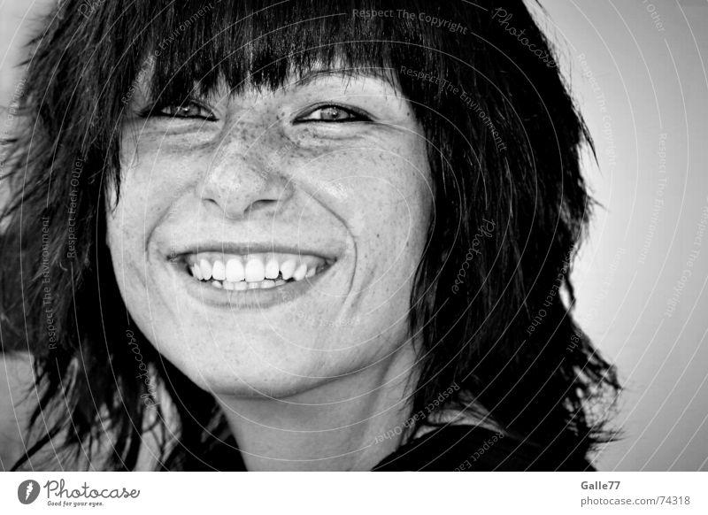 Schenk mir ein Lächeln Mensch Frau Natur Jugendliche Junge Frau Freude 18-30 Jahre Gesicht Erwachsene feminin Gefühle lachen Haare & Frisuren Stimmung Erfolg Fröhlichkeit