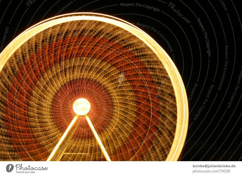 Das Rad dreht sich wieder II Freude Bewegung Beleuchtung Aussicht Jahrmarkt Riesenrad