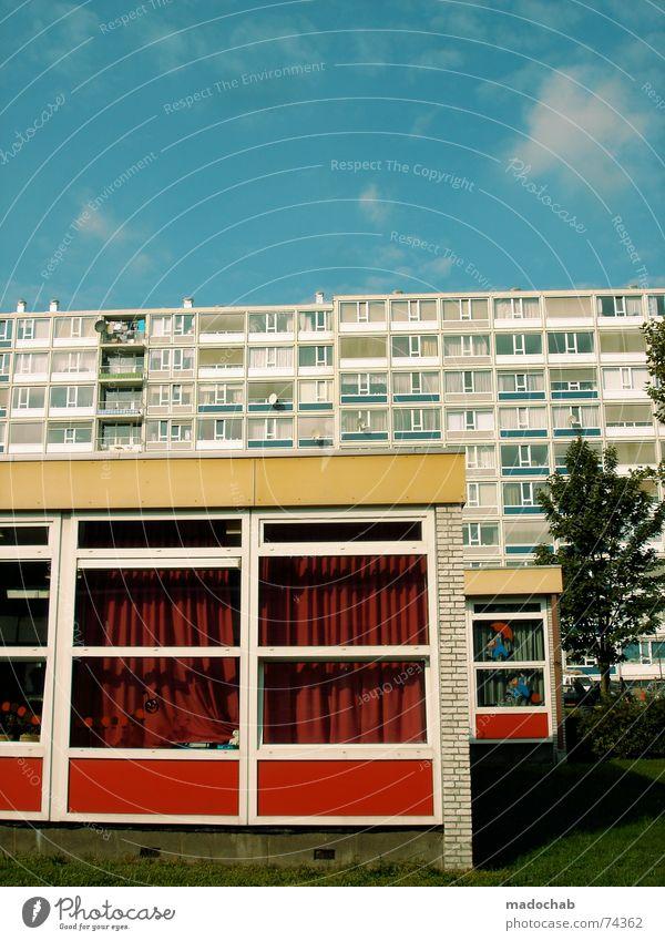 DUTCH URBANISM III Himmel Stadt blau Farbe Sommer rot Wolken Haus Fenster gelb Leben Architektur Gebäude Freiheit fliegen braun