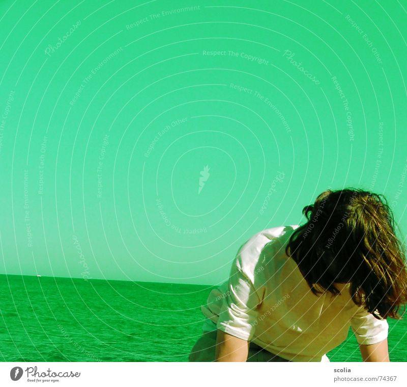 MADOCOLORED SEA Mann grün Meer Ferne Freiheit Haare & Frisuren Horizont Wind Aktion T-Shirt Neigung zyan blind