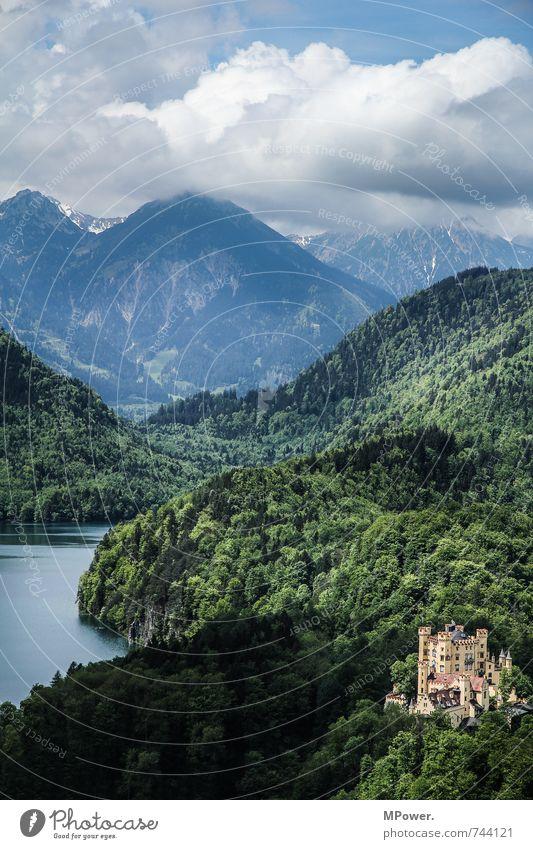 grand budapest hotel Natur alt grün Landschaft Wolken Haus Wald Umwelt Berge u. Gebirge Gebäude Schwimmen & Baden See Häusliches Leben hoch Gipfel Alpen
