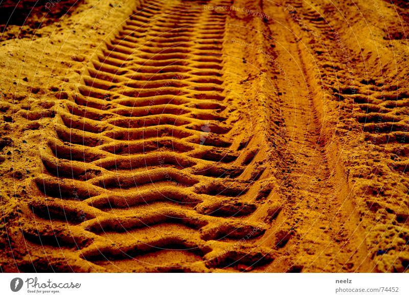Meine Spuren im Sand gelb Sand gold Baustelle Spuren beige Bagger Relief Ocker