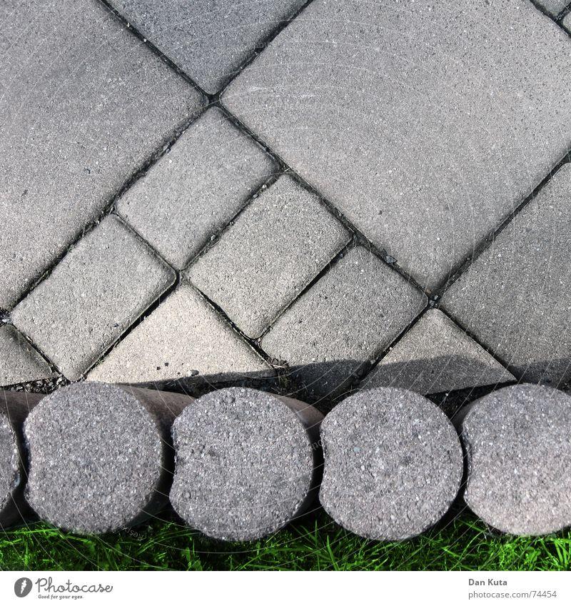 Klasse Terrasse Furche hart diagonal horizontal rund eckig grau Beton treten Verkehrswege Qualität Stein Mineralien terasse palisaden dreckig Bodenbelag Erde