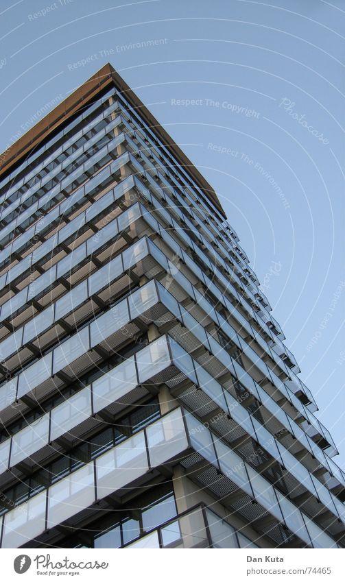 Vorsicht zerbrechlich Pt. 1 Himmel blau Haus Gebäude Glas Hochhaus Perspektive Etage edel schick Gewächshaus Bundesregierung Kreishaus