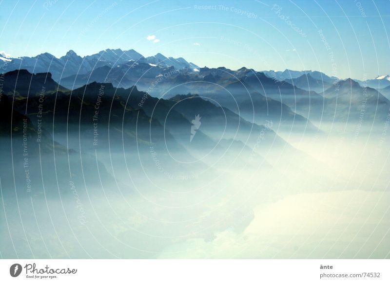 Alpenmärchen Nebel Nebelmeer See Reflexion & Spiegelung Brienzer Rothorn fantastisch Schweiz Natur bezaubernd Ferien & Urlaub & Reisen Panorama (Aussicht)